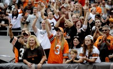 Cleveland-Browns-Fans-Dawg-Pound